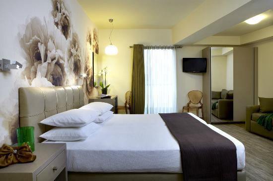 mouikis-hotel.jpg