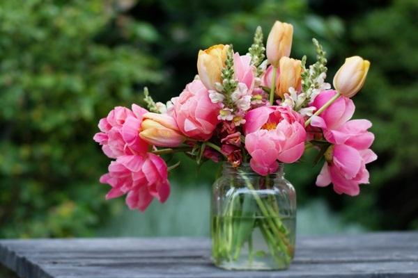 Cassandra Dattoli. Cassandra Dattoli Events. Pink Flowers. Spring. Springfield Wedding Planner