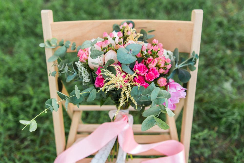 beautiful pink cd garden bouquet.jpg