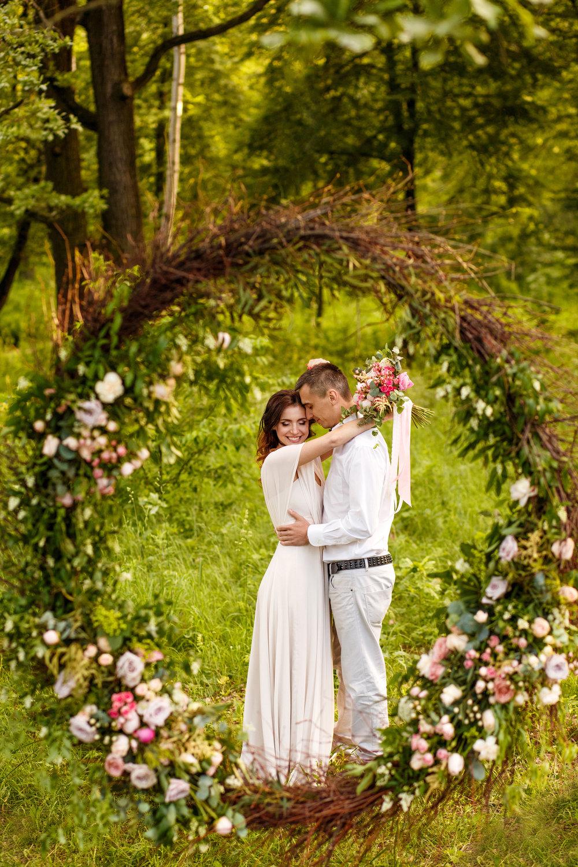ceremony flower hoop.jpg