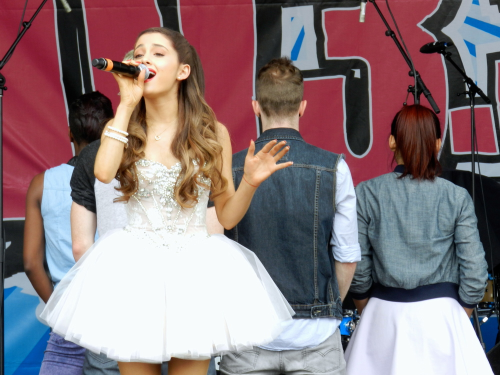 Ariana Grande perfoming at 103.3 Amp Radio's Birthday Bash 2013