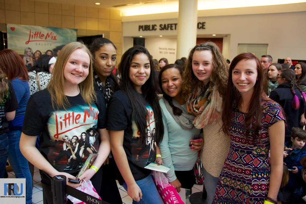 Little Mix Album Signing 6.jpg