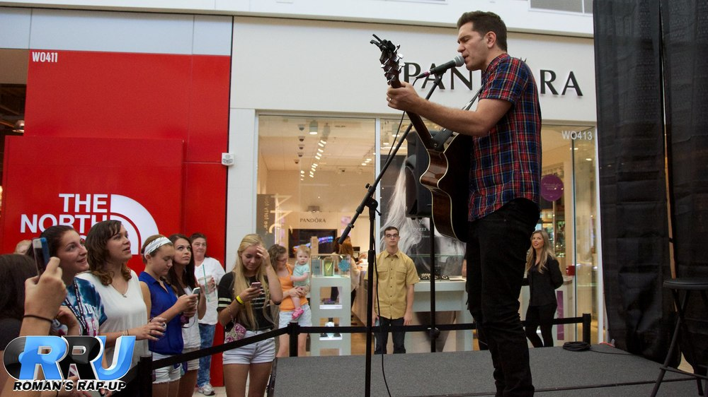 Andy Grammer North Shore Mall 3.jpg