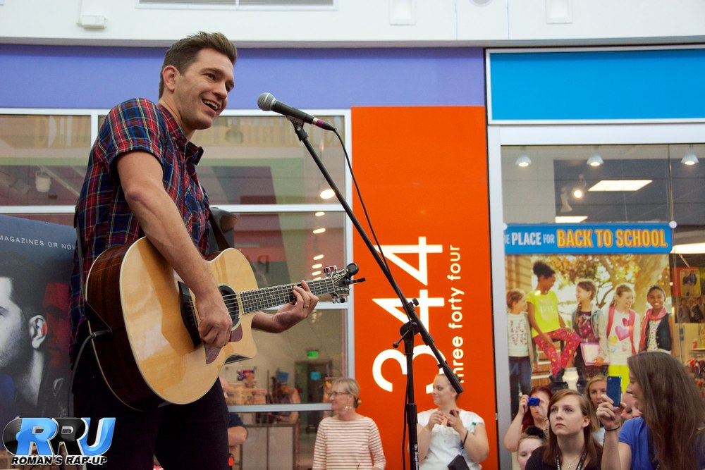 Andy Grammer North Shore Mall 8.jpg