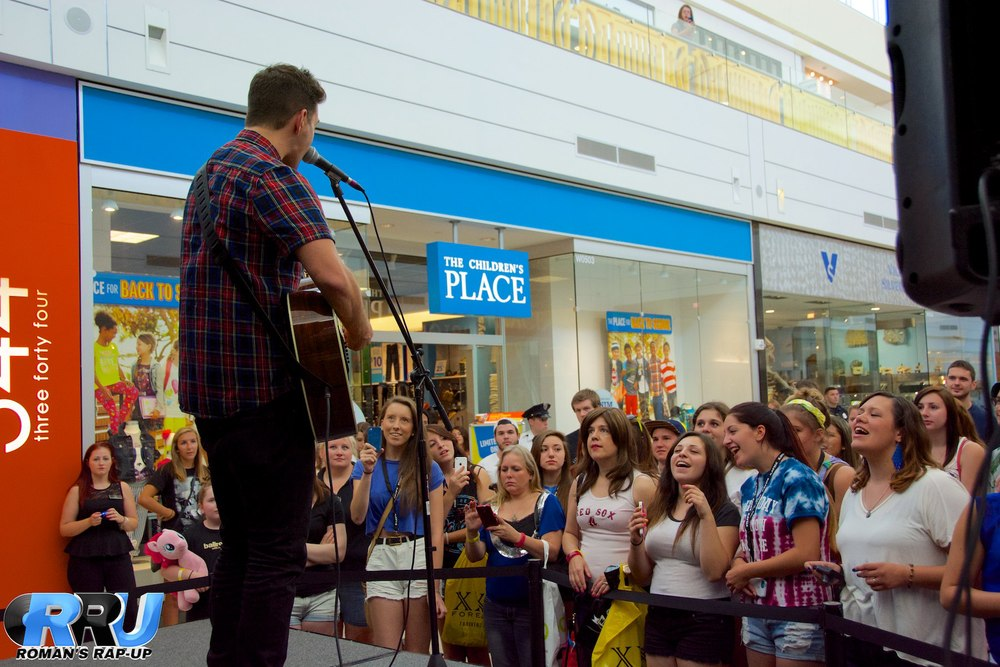 Andy Grammer North Shore Mall 9.jpg