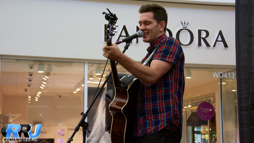 Andy Grammer performing at the Northshore Mall in Peabody, MA on August 9th, 2014 (Benjamin Esakof/Roman's Rap-Up).
