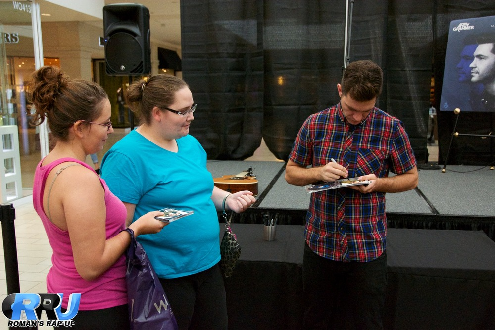 Andy Grammer North Shore Mall 43.jpg