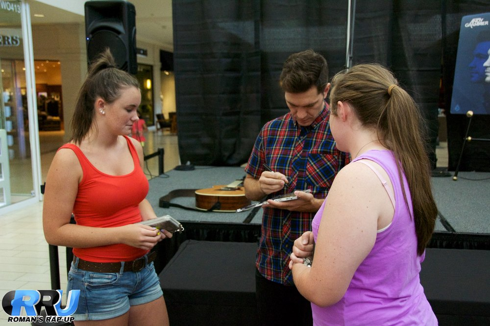 Andy Grammer North Shore Mall 50.jpg