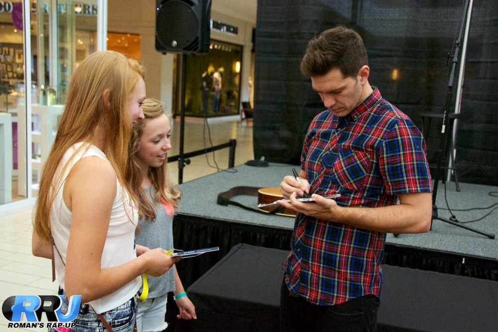 Andy Grammer North Shore Mall 52.jpg