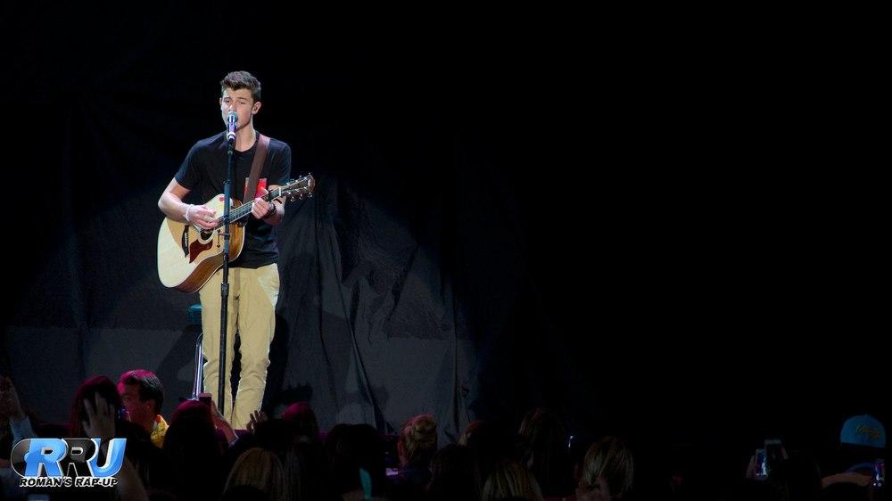 Shawn Mendes 8.jpg