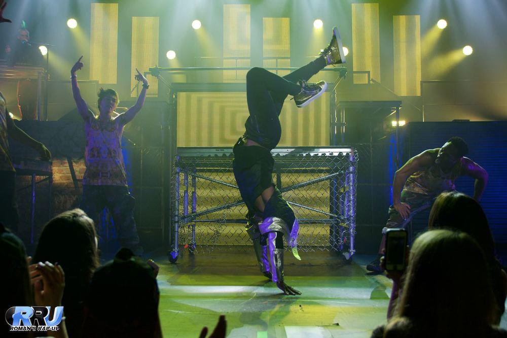 Jason Derulo w- Becky G 26.jpg