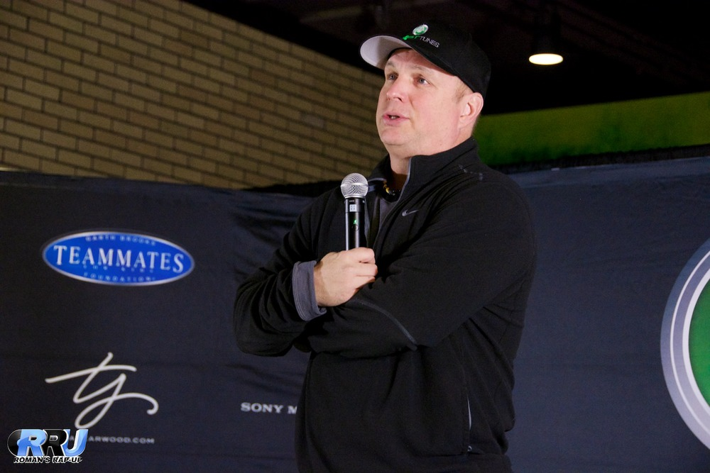 Garth Brooks at his press conference at the TD Garden on January 22nd, 2015 (Benjamin Esakof/Roman's Rap-Up).