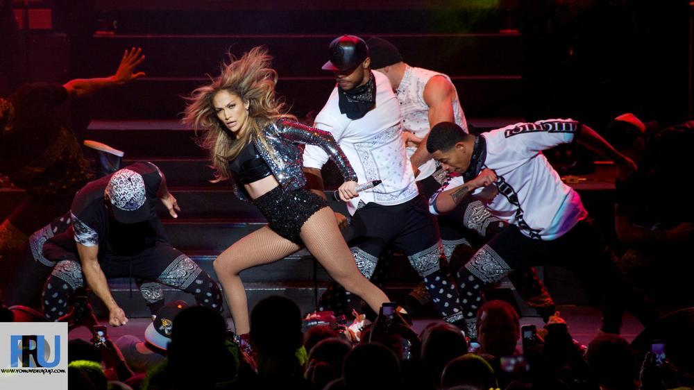 "Jennifer Lopez perfomring at Jam'n 94.5's ""Summer Jam 2014"" on May 31st, 2014 (Benjamin Esakof/Roman's Rap-Up)."