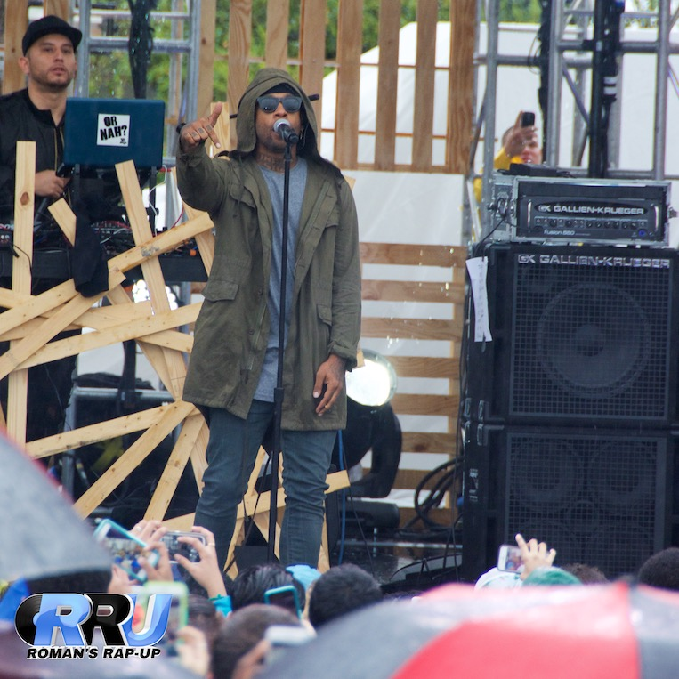 Ty Dolla $ign performing at the mtvU Woodies Festival on March 20th, 2015 (Benjamin Esakof/Roman's Rap-Up).