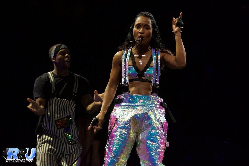NKOTB w- Nelly & TLC 21.jpg