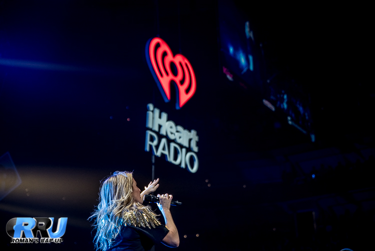 Ellie Jingle Ball_-25.jpg