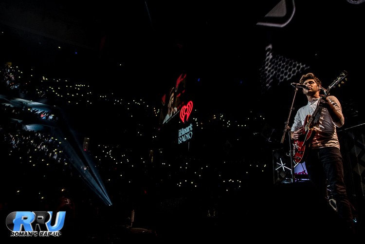 Niall Jingle Ball_-15.jpg