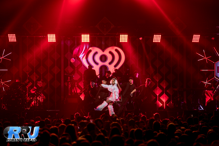 Ariana Jingle Ball_-8.jpg