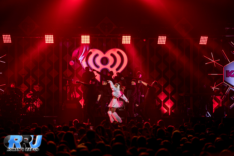 Ariana Jingle Ball_-7.jpg