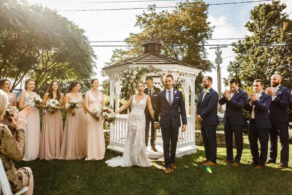 175_anna_tom_inn_on_peaks_island_casco_bay_portland_maine_documentary_wedding_photographer_whitney_j_fox_5923.jpg