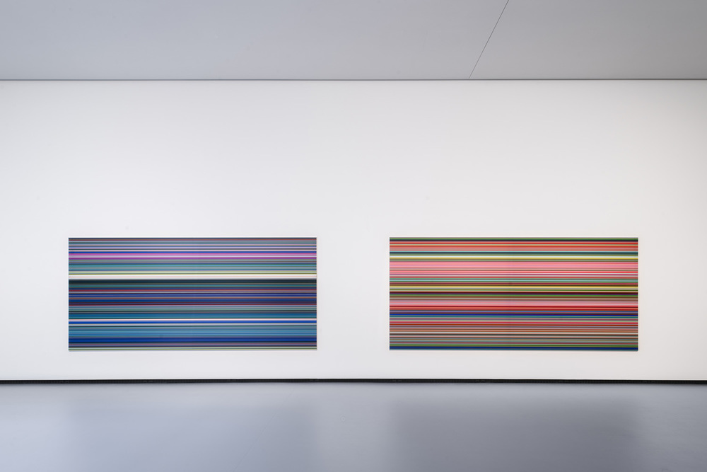 Gerhard Richter - Strip (921-5) puis Strip (921-2) © Fondation Louis Vuitton Martin Argyroglo.jpg