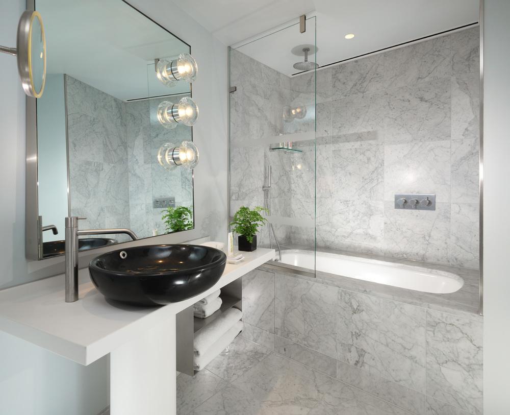 Standard _ Superior Bathroom with tub.jpg