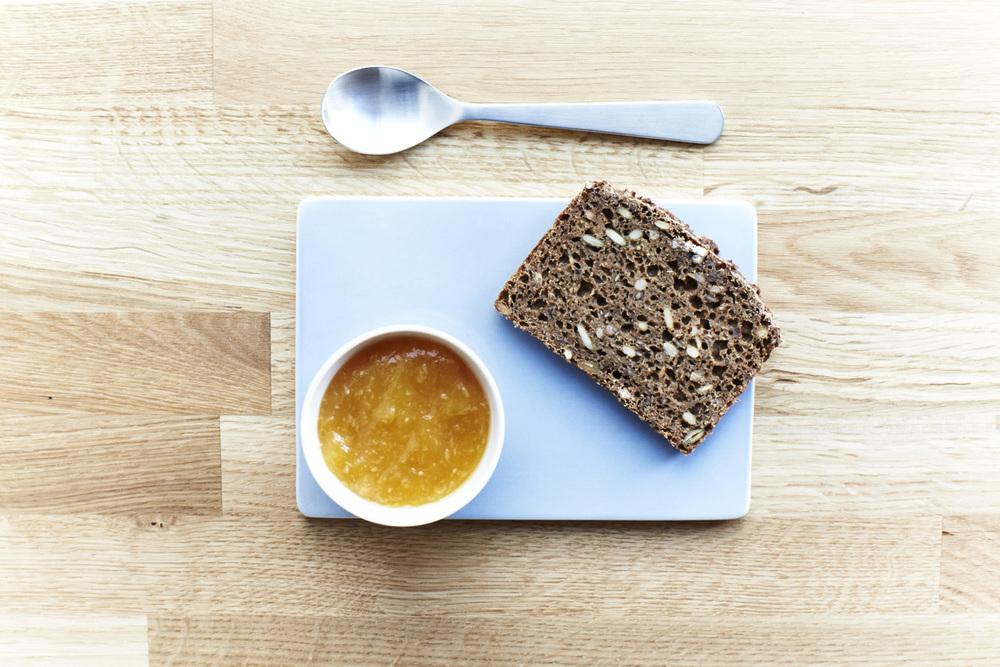 SNAPS_N'_RYE_NOV14_577_Rye_Bread with jam.jpg