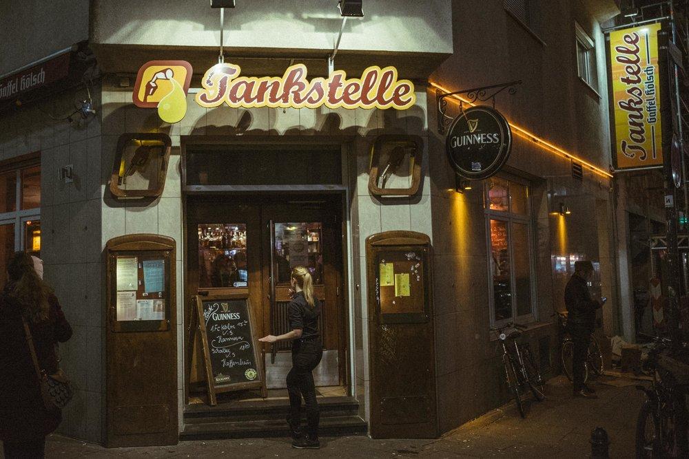 tankstelle-kneipe-wearecity-koeln-bar-atheneadiapoulis-5.jpg