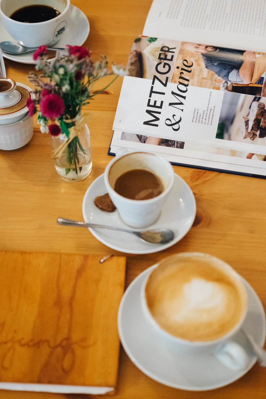 rheinindiekueche-cafegoldjunge-koeln-buch-cafe-wearecity-atheneadiapoulis-2.jpg