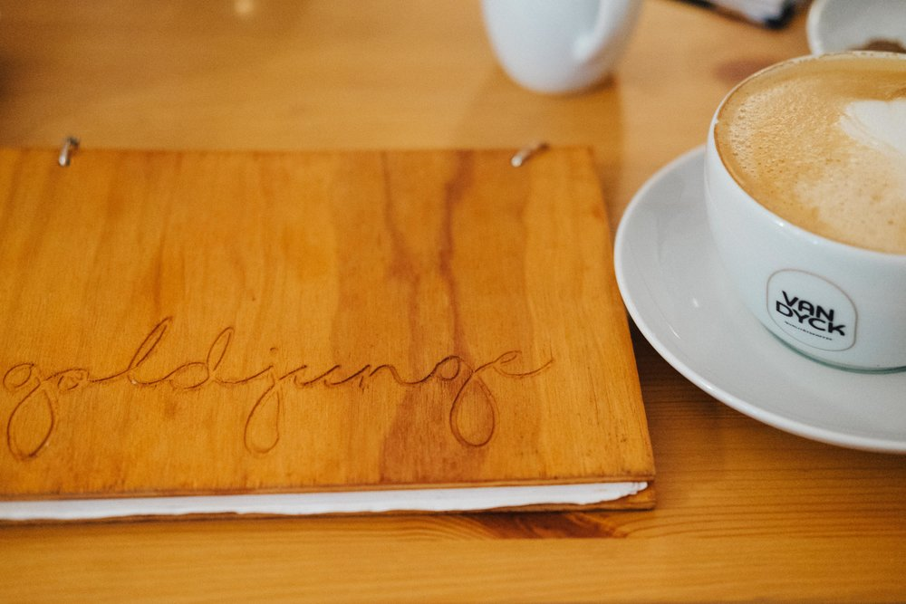 rheinindiekueche-cafegoldjunge-koeln-buch-cafe-wearecity-atheneadiapoulis-16.jpg