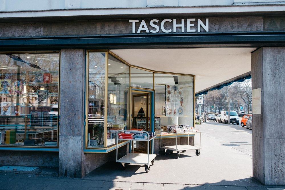 taschen-verlag-buch-literatur-koeln-wearecity-atheneadiapoulis-5.jpg
