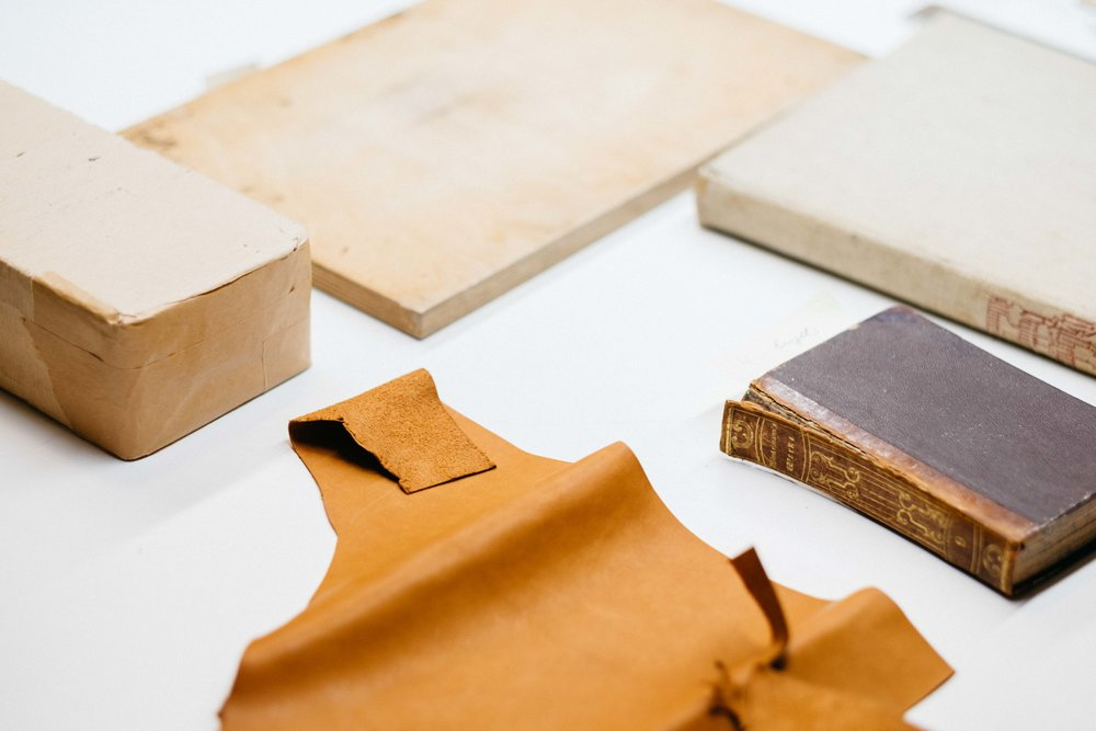 antiquariat-langguth-restaurator-buch-literatur-koeln-wearecity-atheneadiapoulis-7.jpg