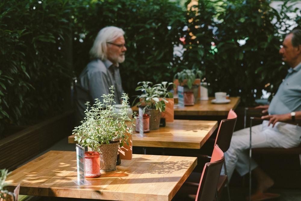 vincenz-restaurant-gaffel-koeln-wearecity-ehrenamt-atheneadiapoulis-6.jpg
