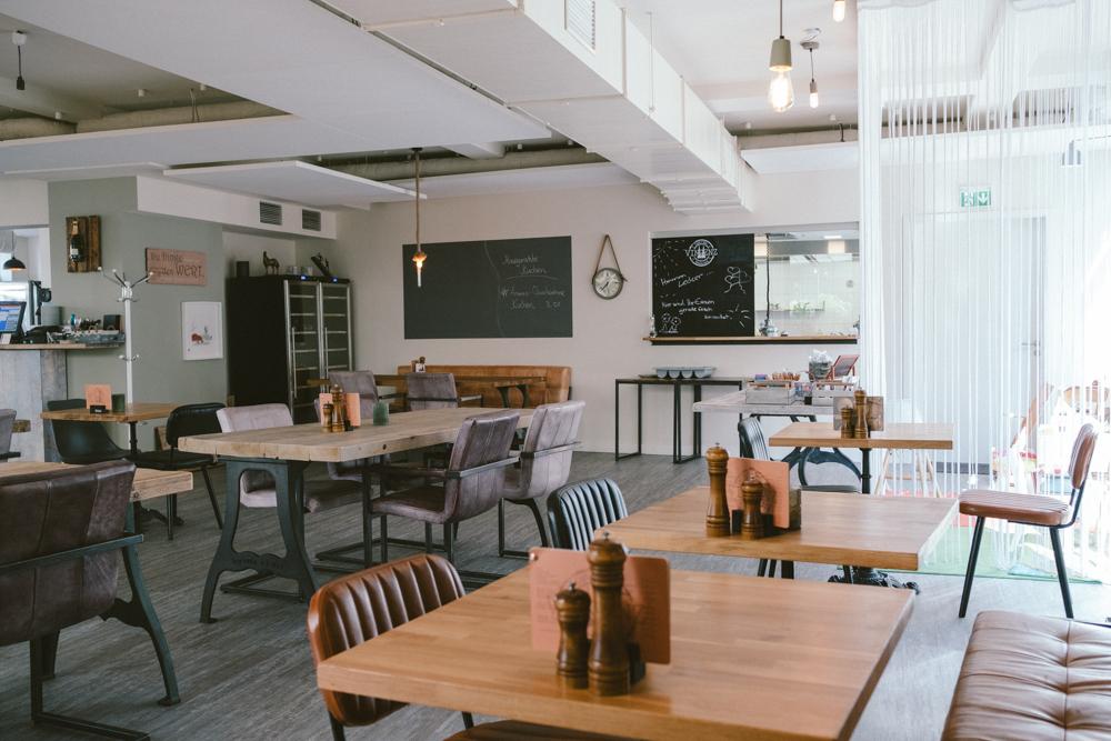 vincenz-restaurant-gaffel-koeln-wearecity-ehrenamt-atheneadiapoulis-1.jpg