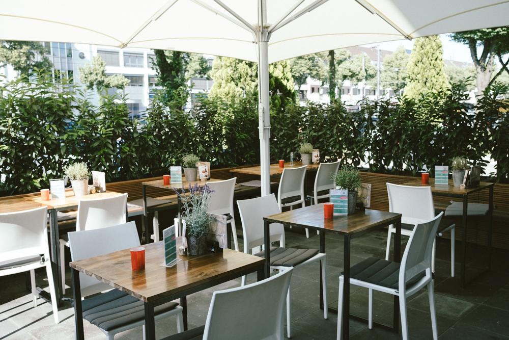 vincenz-restaurant-gaffel-koeln-wearecity-ehrenamt-atheneadiapoulis-4.jpg