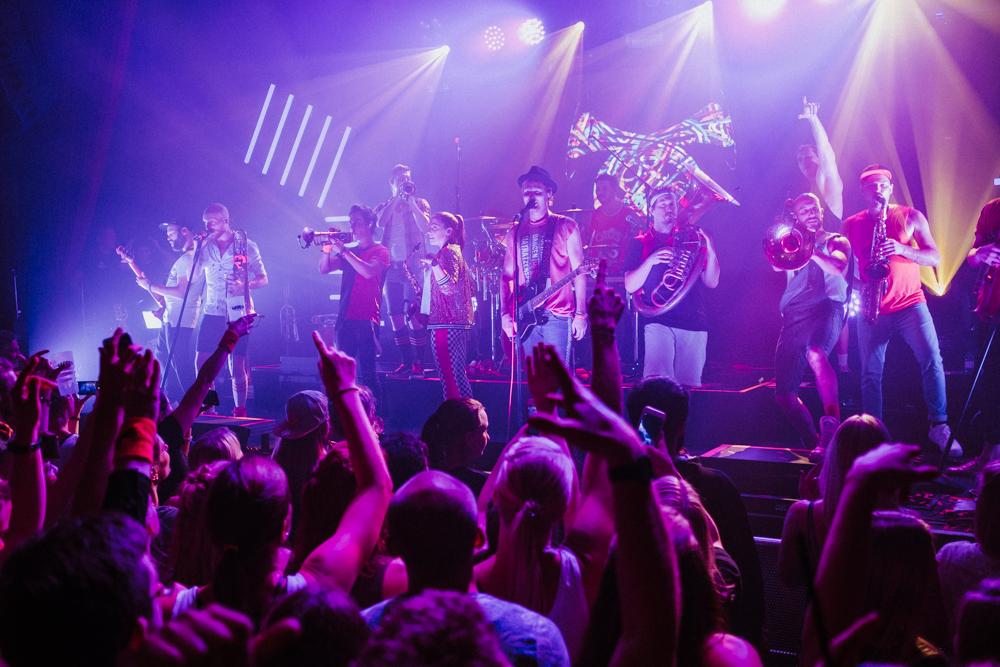 querbeat-musik-brasspop-karneval-koeln-wearecity-atheneadiapouli-hariman-56.jpg
