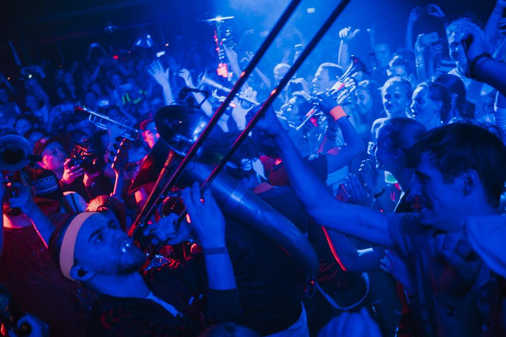 querbeat-musik-brasspop-karneval-koeln-wearecity-atheneadiapouli-hariman-75.jpg