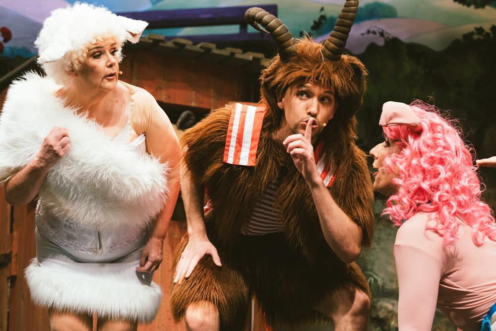 scala-theater-karneval-koeln-wearecity-atheneadiapouli-hariman-35.jpg