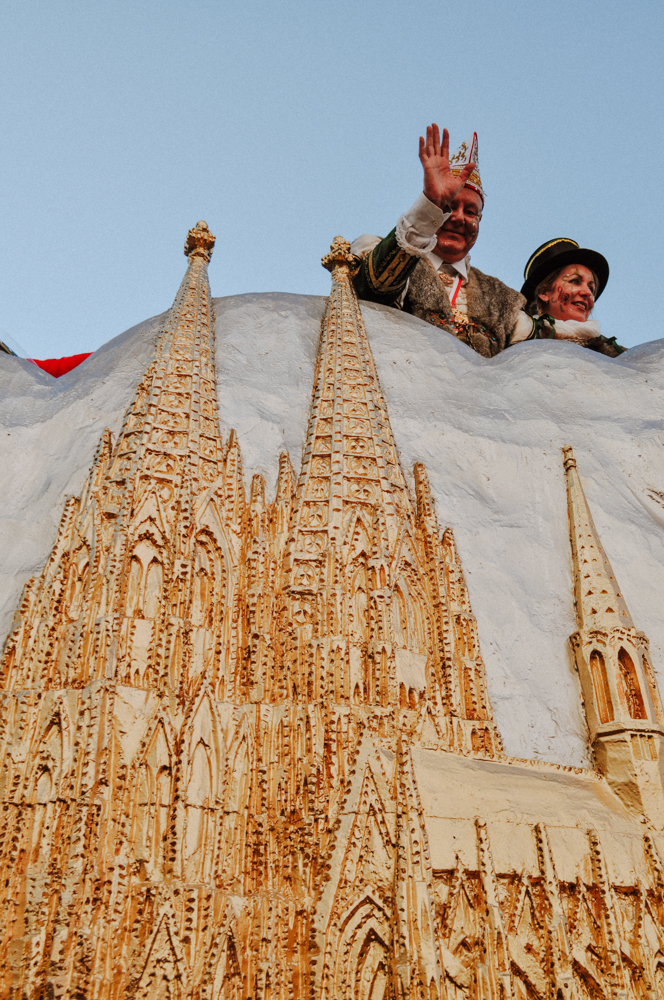 karneval-rosenmontag-zug-wearecity-atheneadiapoulihariman-8.jpg