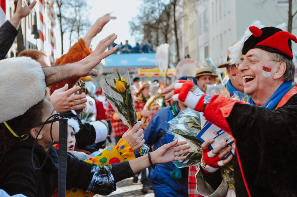 karneval-rosenmontag-zug-wearecity-atheneadiapoulihariman-5.jpg