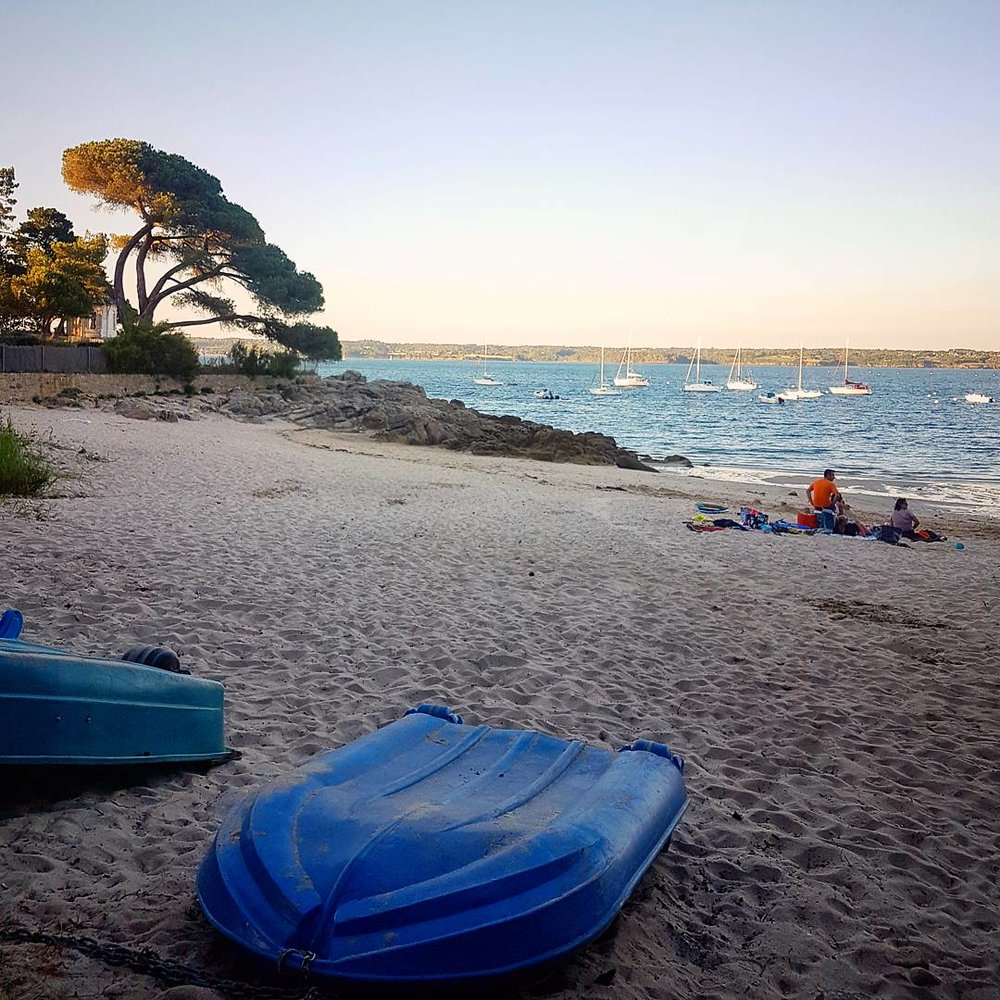 The local beach, some 200 metres from the tent. Options to use a variety of equipment from surfboards, paddle boards and kayaks. It is all here for you to enjoy and explore the local surroundings.