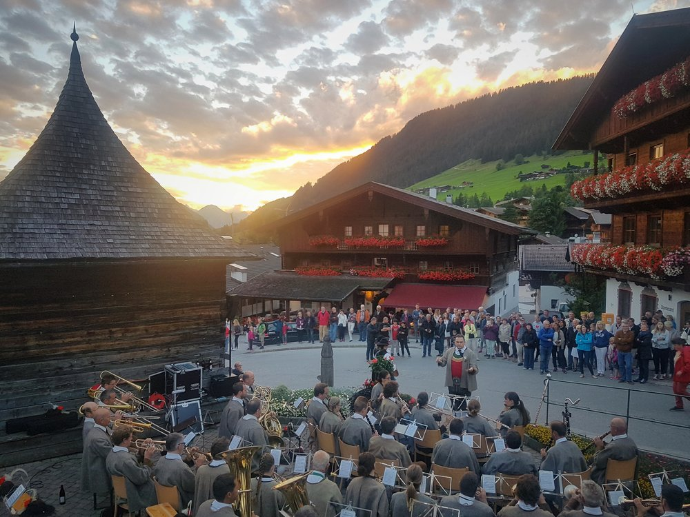 An evening concert of traditional Austrian / Tyrolean music. A great spectacle, especially during a dramatic summer sunset.