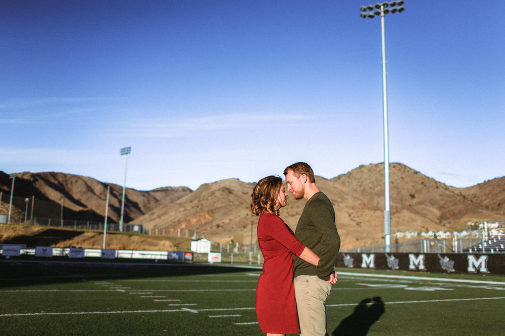 Denver Colorado Mountain Photographer Sunrise River Engagement Session Outfit Ideas