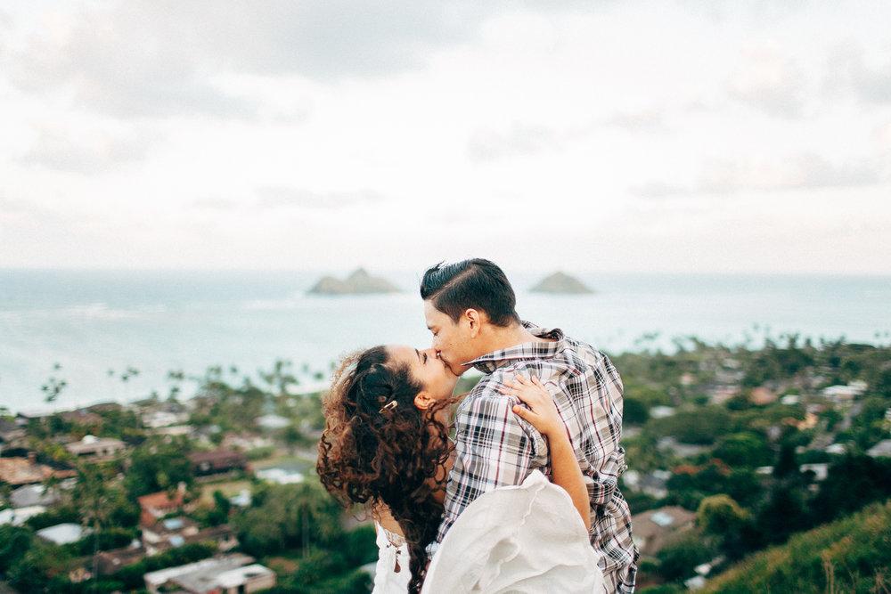Adventurous Polynesian Wedding Images Island Photographers Near Me Cat Eye Makeup Idea Curly Hair Engagement Pics