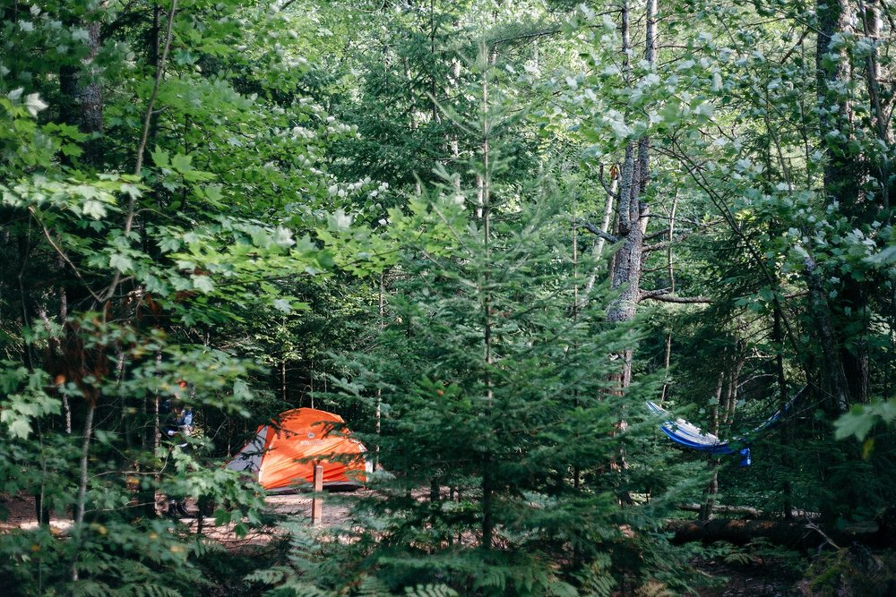 backpacking-michigan-upper-peninsula-pictured-rocks-camping-lake-superior_0049.jpg