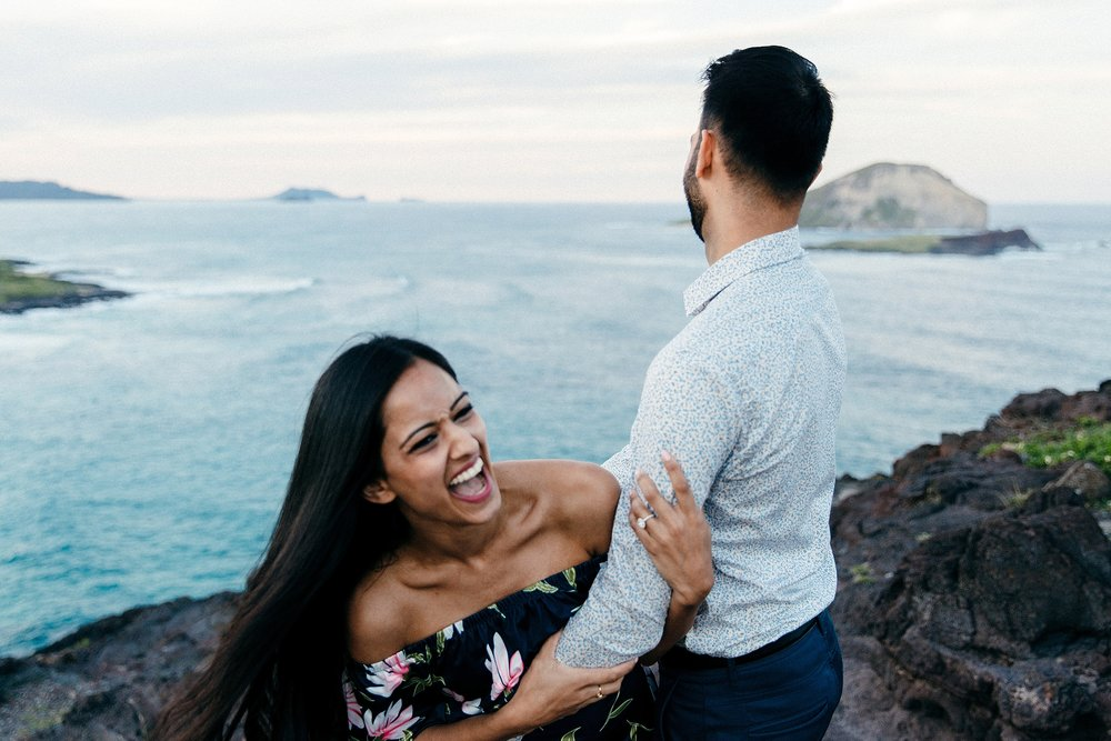 surprise-proposal-at-makapuu-beach-in-front-of-the-ocean-in-honolulu-hawaii-hidden-photographer_0032.jpg