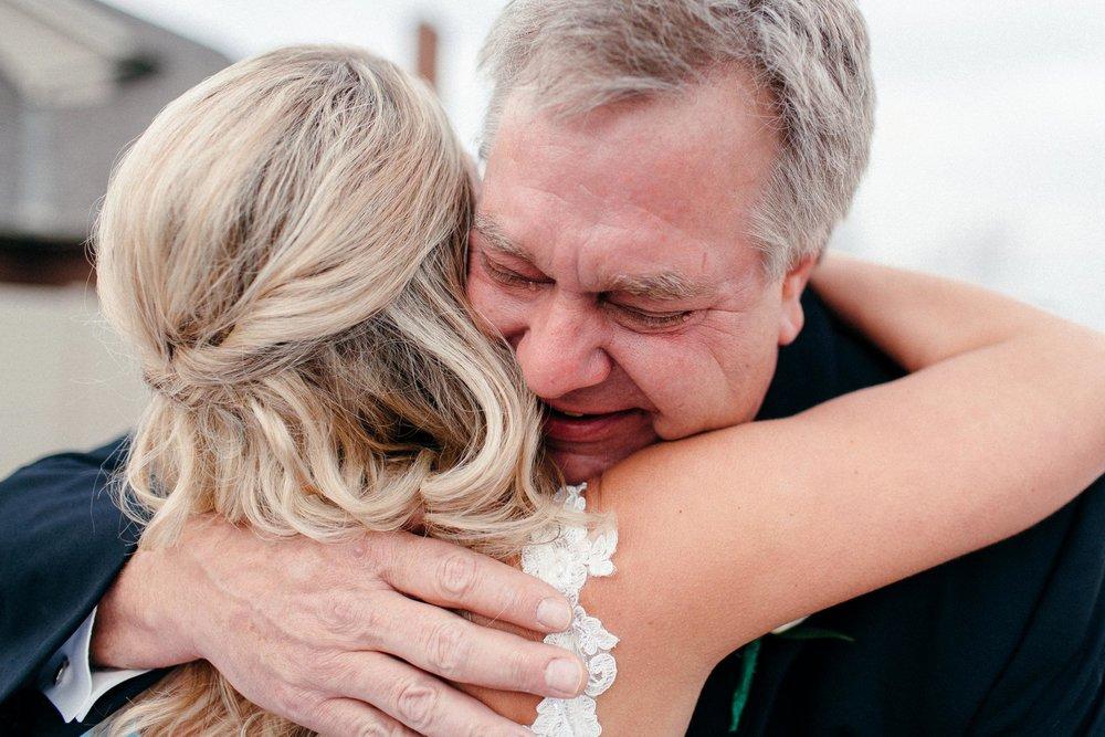 The Best Hawai'i Wedding Photographers - Destination Elopement