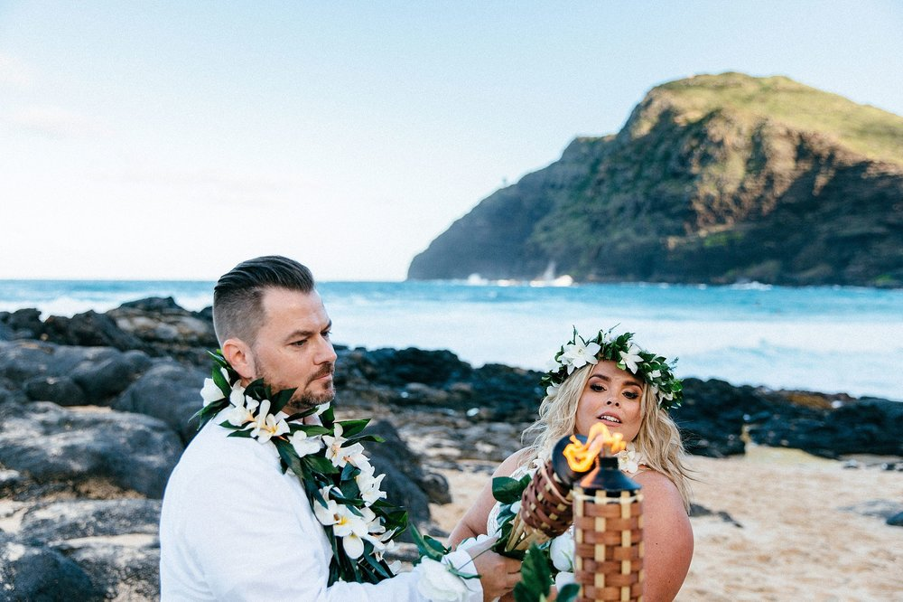 Emotional elopement vows in Honolulu, Hawaii
