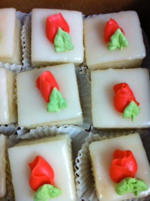 Petit fours red rosebud