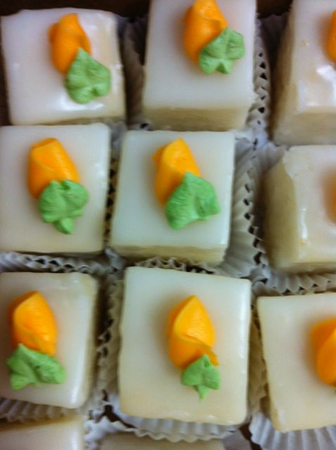 Petit fours orange rosebud